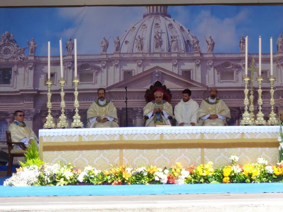Folha do Centro - Oliveira do Hospital acolheu S. João Paulo II como padroeiro